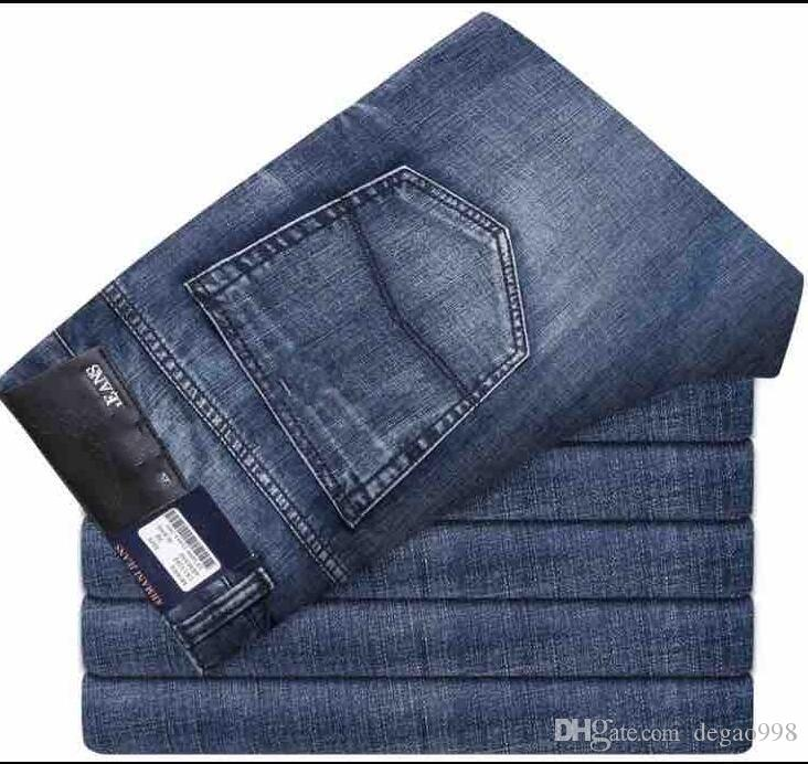 277be3c4b77df Compre 2018 Nuevos Pantalones Vaqueros Finos Elásticos Masculinos Del  Verano De La Primavera Del Resorte Del Tubo Recto Flojo Jeans.