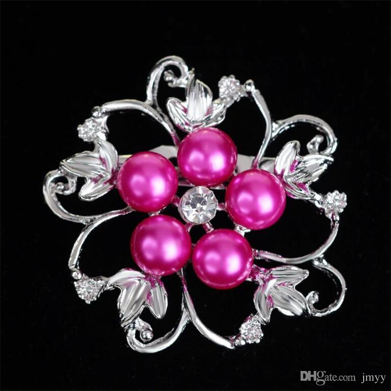 Factory Price Fashion Lady Brooches Acrylic Pearl Alloy Flowers Rhinestone Brooches For Women Banquet Party Gift