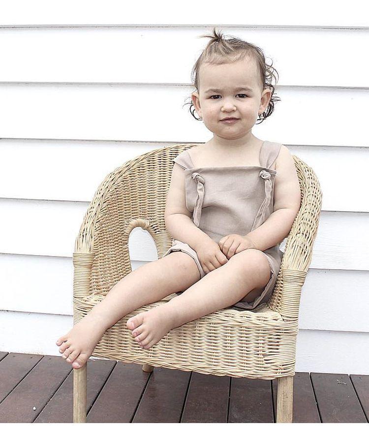 2018 Nuevo verano Baby Boys Girls Suspender sin mangas de algodón Monos Monos de algodón recién nacido del cuerpo de color caqui Bodysuits