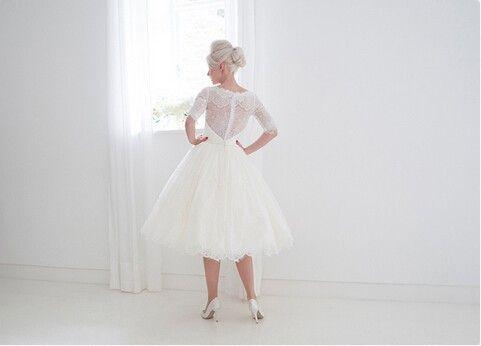 vestido де noiva короткие свадебные платья 2018 О-образным вырезом Половина рукава кнопка кружева аппликации середины икры пояс Белый бальное платье свадебное платье