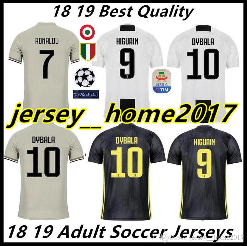 8440cfe39a Compre TAMANHO S XXL 2018 2019 Juventus Camisa De Futebol 18 19 JUVE  RONALDO DYBALA Camisa De Futebol MANDZUKIC PJANIC HIGUAIN Camisas De  Futebol Uniforme ...