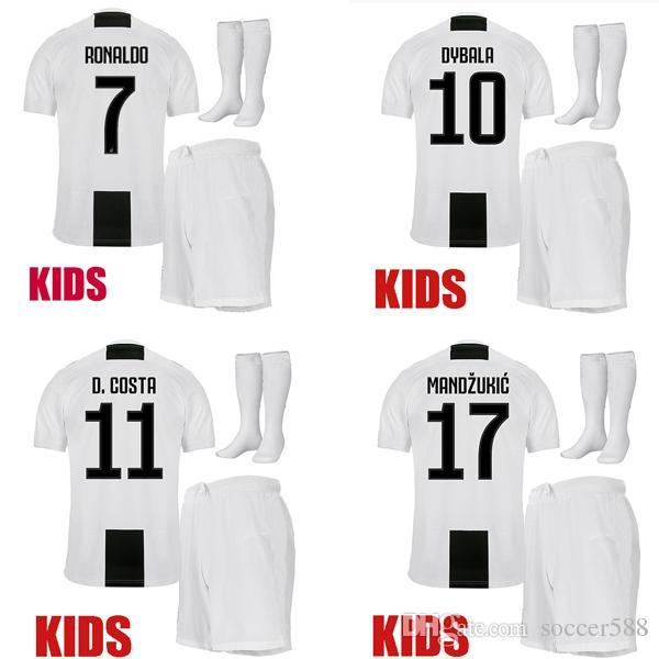 Compre Crianças 18 19 RONALDO CR7 Juventus Camisa De Futebol Marchisio  DYBALA Camisa De Futebol Crianças Conjunto 2018 2019 COSTA MANDZUKIC  Maillot De Foot ... 27e05ce39f2c0