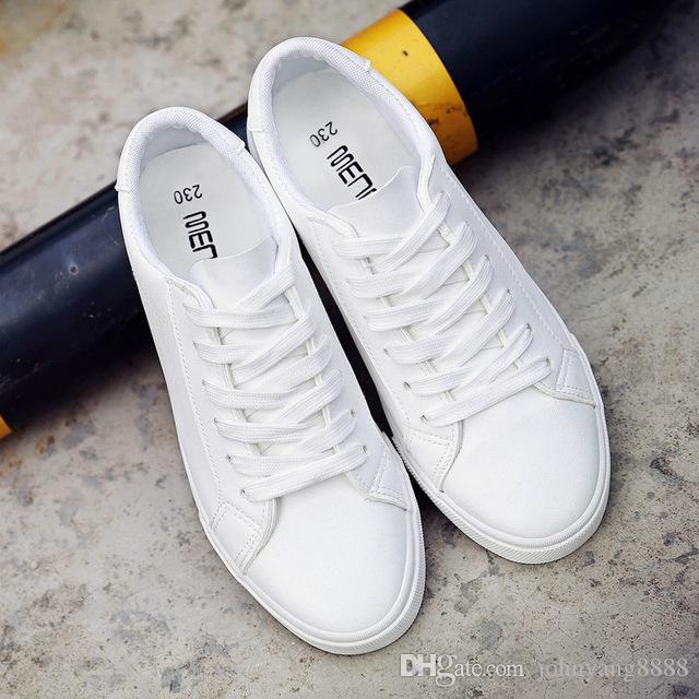 1ba58876762 Compre 2018 Nova Primavera Tenis Feminino Lace Up Sapatos Brancos Mulher PU  De Couro Cor Sólida Sapatos Femininos Casuais Mulheres Tênis De  Johnyang8888