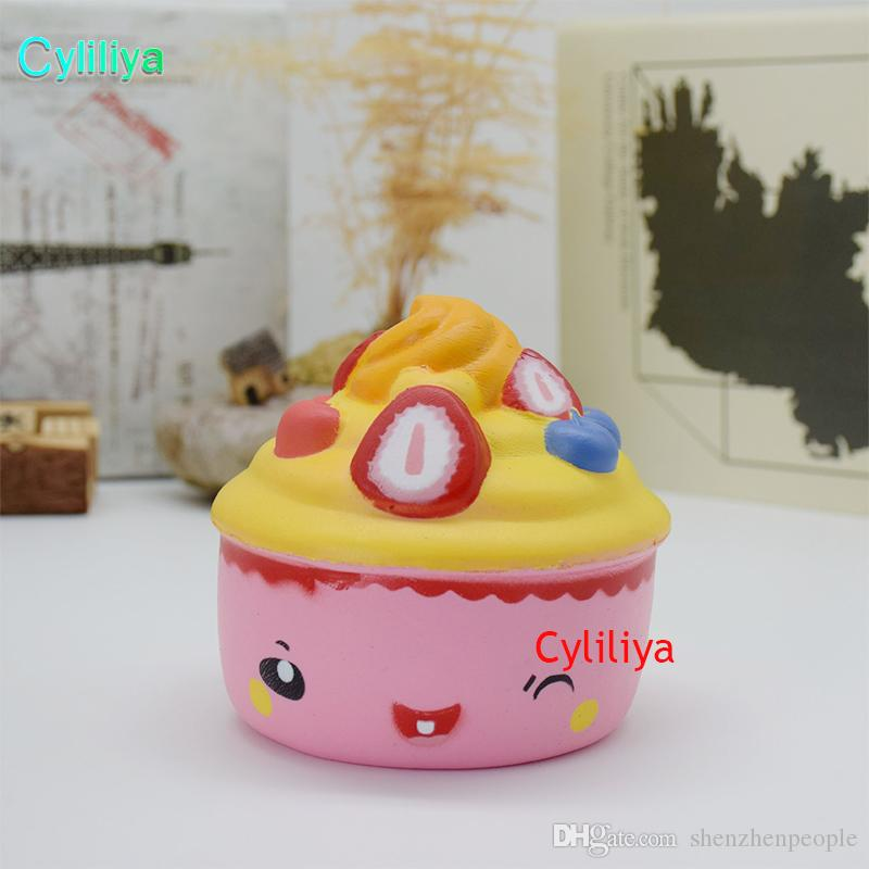 New 10CM Strawberry Ice Cream Squishy Slow Rising 10CM Jumbo Fruit Face Cake Cute Phone Straps Soft Scented Bread Kid Fun Toys Gift