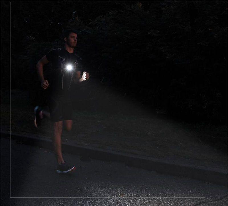 Luci di carica a carica USB Lunghezza eccessiva Endurance Attenzione Luce Strapped To The Chest Lampada a LED lo sport serale Alta qualità 32fx Z