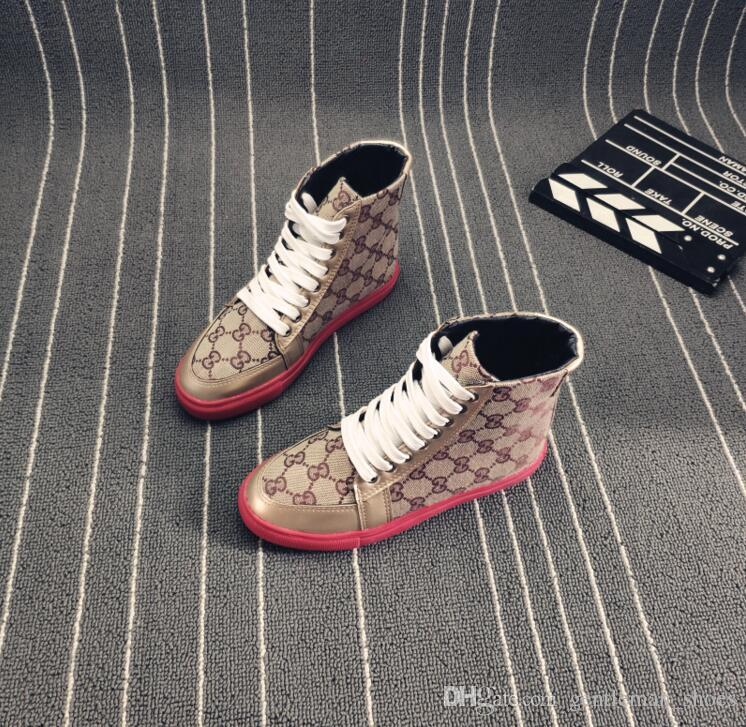 e1be856481 Compre 2019 Novo Estilo De Moda Homem Alto Sapatos Sapatilhas Sapatos  Primeira Camada De Couro Designer De Luxo Plana Andando Sapato Vestido De  Festa Martin ...