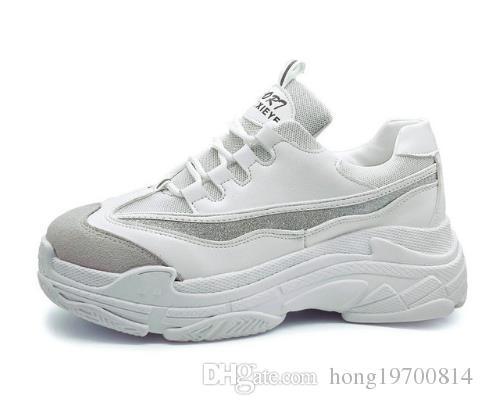 b6c530b19 Compre Size35 43 2018 Nova Primavera Mulheres Sapatos Para Mulher Sapatos  Casuais Saltos Plataforma Selvagem Lazer Feminino Preto Branco Letras  Sapatilhas ...