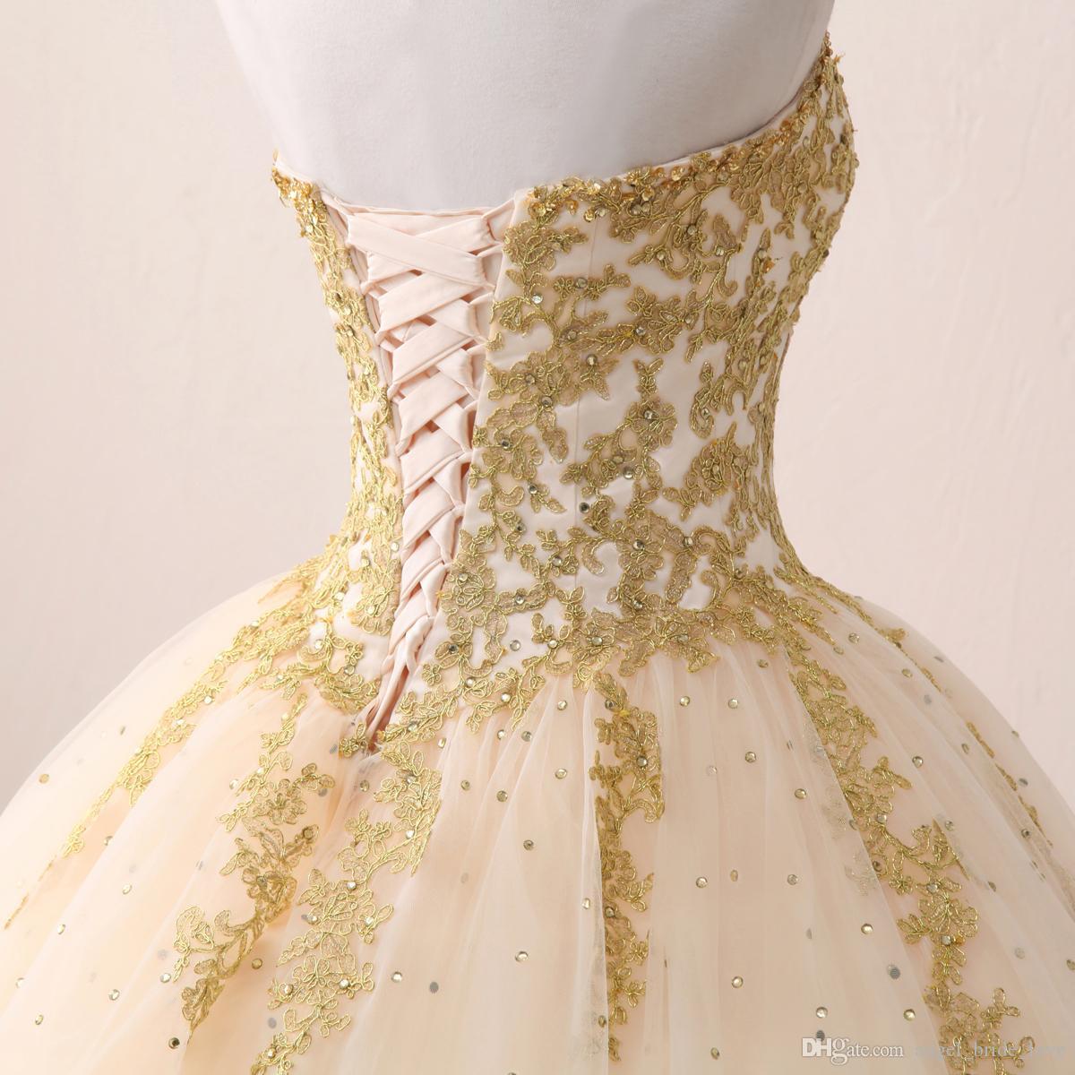 2018 Ucuz Gerçek Görüntüler Altın Aplike Balo Quinceanera elbise Sevgiliye Tül Kat Uzunluk Tatlı 16 Elbiseler Parti Elbise QQ13