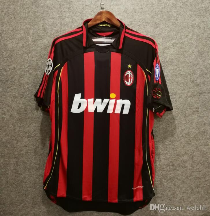 Classic 2006 2007 Retro AC Camisetas De Fútbol De Milan Camisetas De Fútbol  Ropa De Fútbol De Alta Calidad MALDINI 3 Kaka 22 Inzaghi 9 Pirlo 21 Por  Welchli 15ce3ebefe852