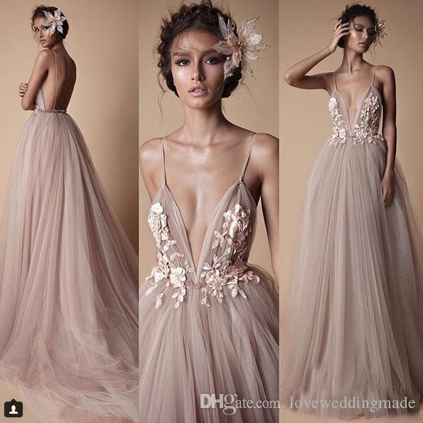 2018 Sexy Berta Champagne Tulle Evening Party Dresses Deep V-Neck Spaghetti Lace Floral Backless Formal Prom Gowns Holiday