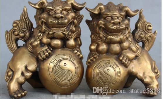 +China Bronze Foo Fu Dog Guardion Lion Lions Animal Hold Gossip Ball Statue Pair
