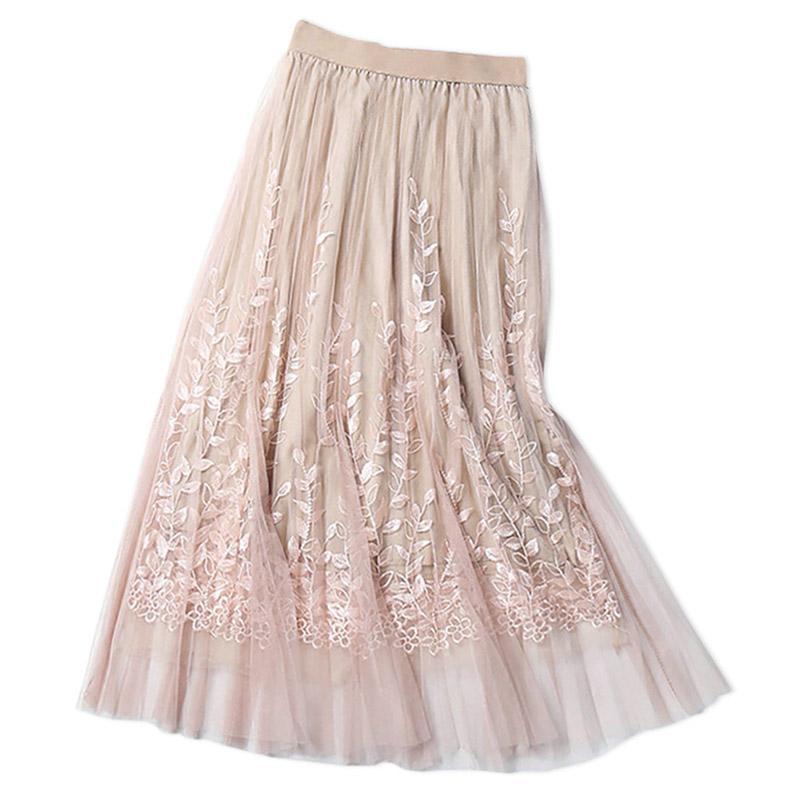 e36994df5 Alta calidad elegante de tul largo falda plisada mujeres 2018 verano  bordado floral una línea de encaje de malla falda mujeres midi