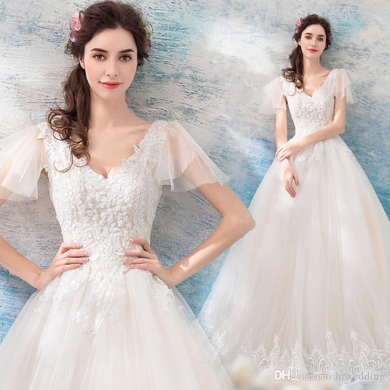 Vintage Lace Beaded 2018 Wedding Dresses V Neck Ball Gown Tulle
