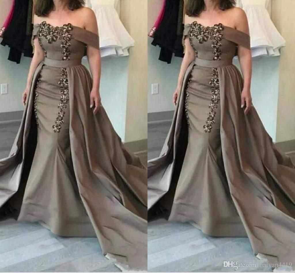 2020 Elegante Plus Size Mutter der Braut Kleider weg von der Schulter Mermaid SpitzeAppliques Perlen mit overskirts langer formaler Partei Abendkleidern