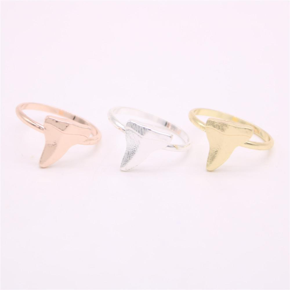 The latest elements shark teeth rings teeth rings for women Free shipping Retail and wholesale mix