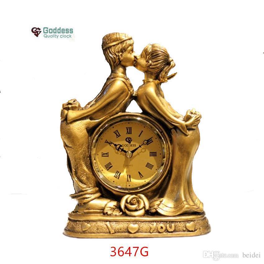 decorative desk clocks bear lively lovers resin crafts desktop clock european style golden wedding decoration desk clocks silent movement home decorative