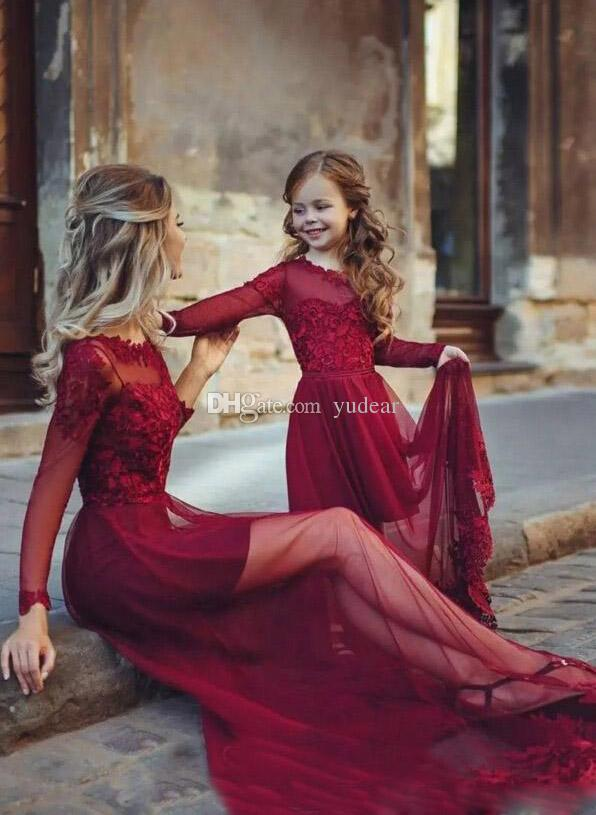 2019 Fashion Mother and Daughter Matching A-line Prom Dresses Bateau Neck Burgundy Long Sleeves Illusion Soft Tulle Sweep Train Evening Gown