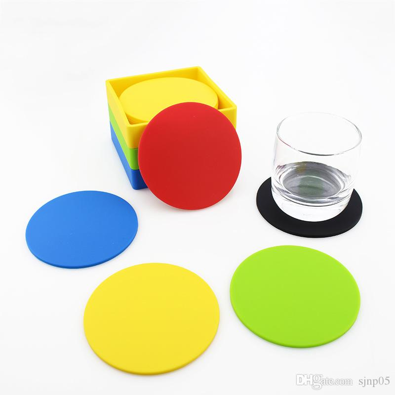 Silicone Drink Coasters Set of 6 Non-Slip Round Square Soft Coaster Rubber Cup Pad Mats Silicone Placemats Tabletop Protection Easy to Clean