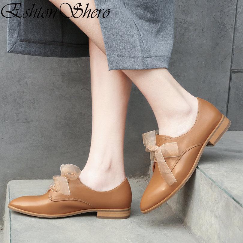 0955df657c Compre EshtonShero Primavera Mulheres Bombas Tamancos Sapatos Mulher  Plataforma De Couro + PU Salto Baixo Dedo Apontado Lace Up Senhoras Sapatos  De ...