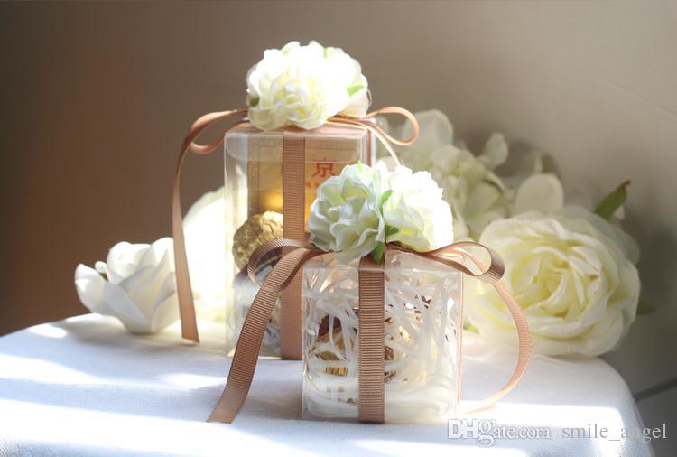2021 Yeni Düğün Favor Kutuları Transprent Plastik Kutu ile Zarif Fildişi Ipek Gül Çiçekler Yaratıcı Moda Parti Hediye Kutuları Şeker Paketi