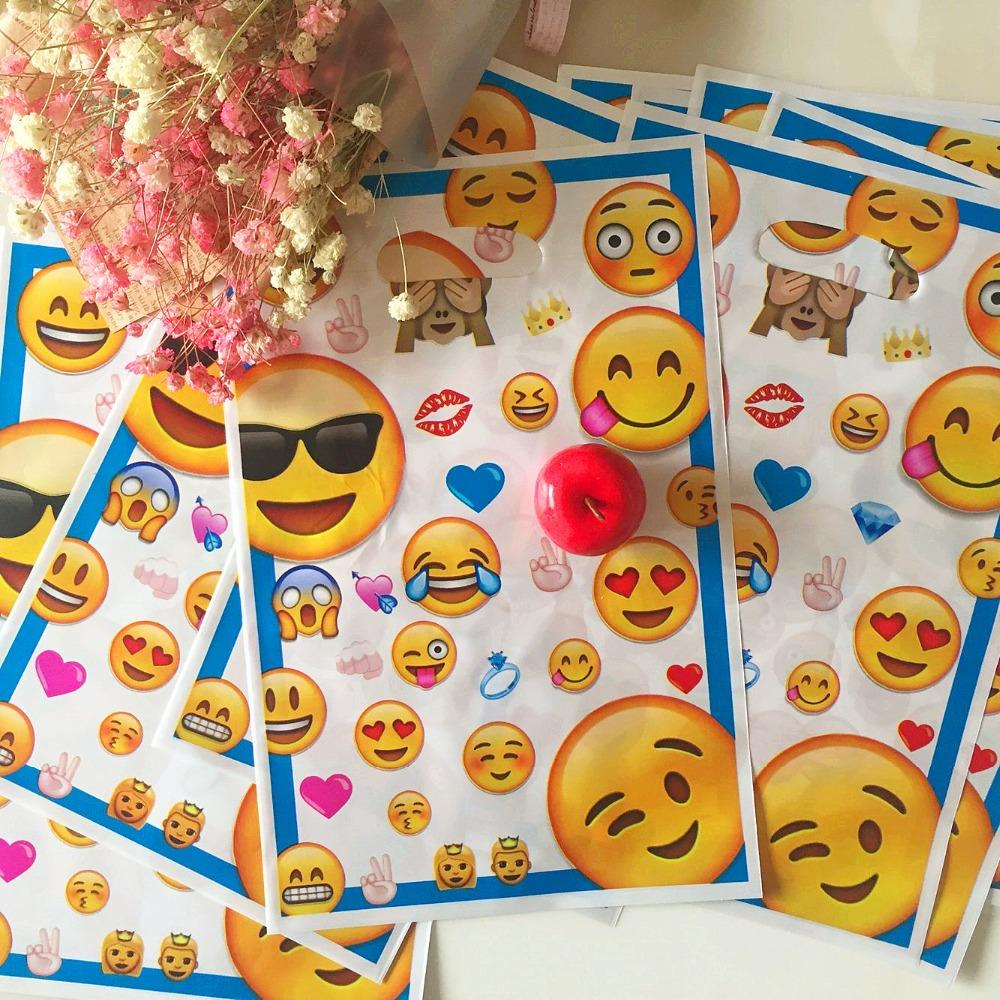 16525cm Cute Emoji Plastic Gift Bags Loot Bag Kid Boy Birthday Party Supplies Cartoon Theme Decoration Special Christmas Wrapping Paper