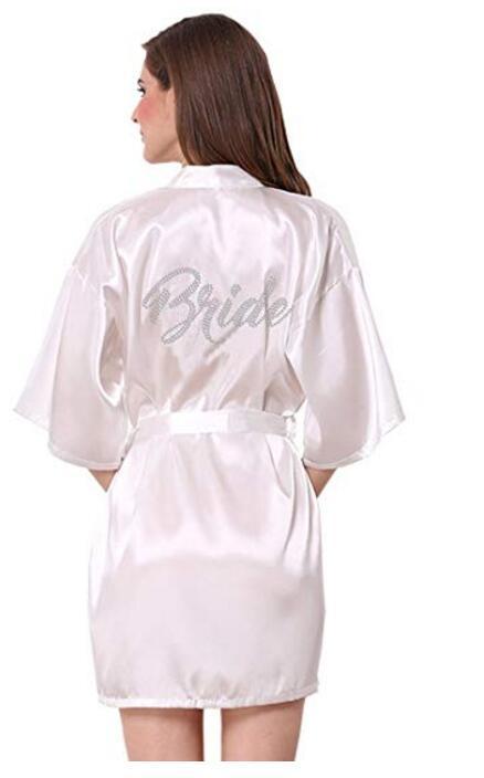 1145d4949fca Moda De Seda Da Dama De Honra Noiva Robe Sexy Mulheres Curtos Vestes de  Quimono De Cetim de Casamento Sleepwear Camisola Vestido Mulher Pijama De  ...