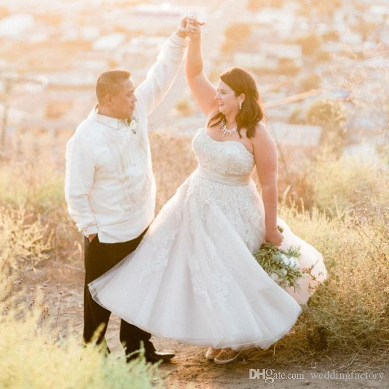 Country Style Plus Size Wedding Dresses Tea Length Strapless Sweetheart  Sleeveless Lace Appliques Tulle Bridal Gowns Custom Made