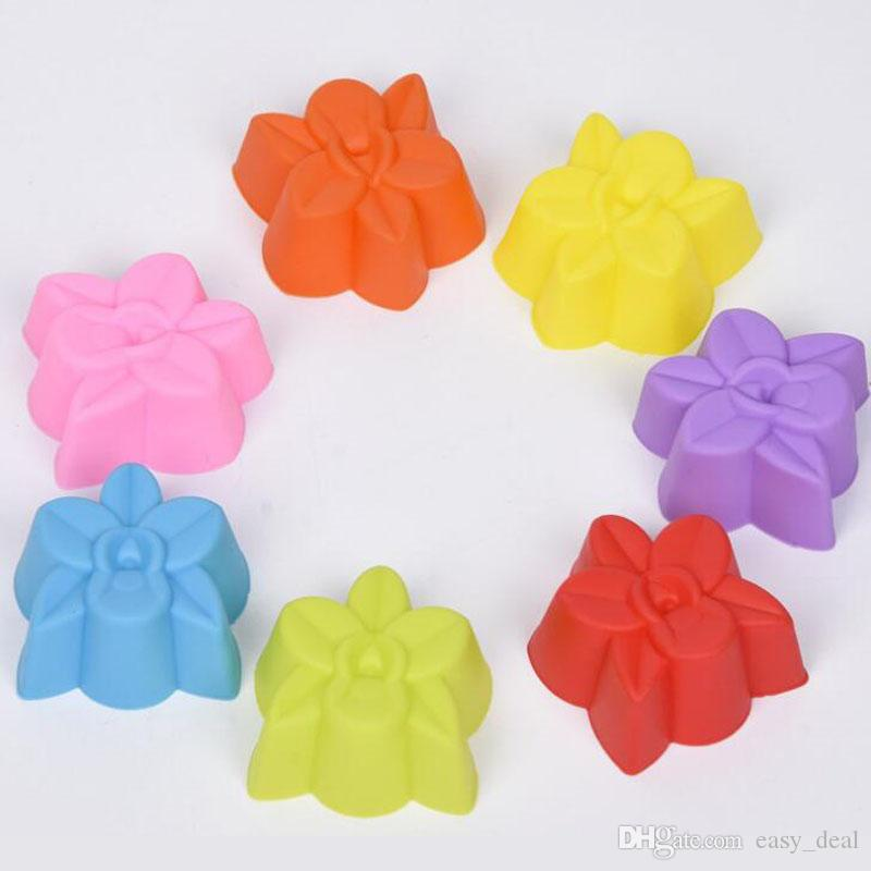Flower Cake Mold Cupcake Liner Baking Mold Biscuit Silicone Kitchen Stencil Form Pastry Soap Muffin QW7040