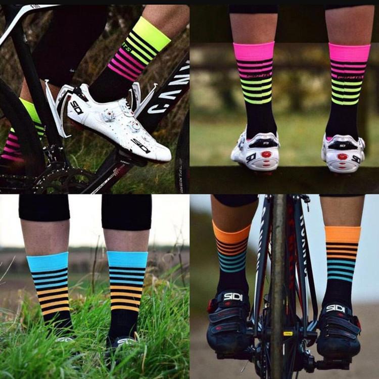 Calze da ciclismo Calze sportive di marca professionale di alta qualità Calze da bicicletta traspiranti stile a strisce Sport Racing Basketball Football