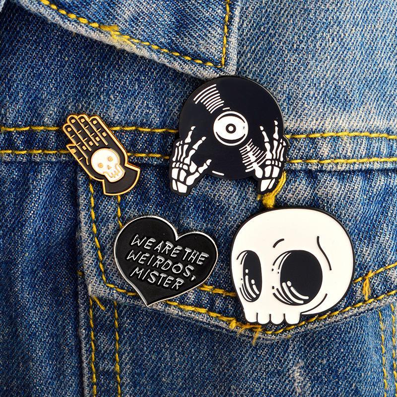 Halloween skull pin weirods scheletro testa e mani smalto pins spille punk gotico gioielli spille uomo donna unisex spedizione gratuita