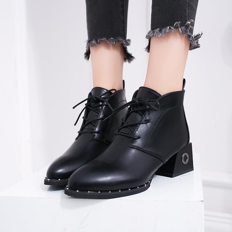 3e56798305 Compre Novas Mulheres Da Moda Botas Outono Ankle Boots Mulher Sapatos De  Salto Quadrado De Inverno Grosso Sola Preta Cunha Salto Quadrado De  Tinypari