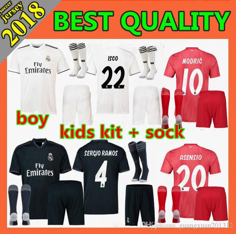 Compre 2018 Kits Para Niños Real Madrid Jerseys De Fútbol 18 19 CR7 RONALDO  BALE ISCO RAMOS Asensio Hogar Juvenil Juvenil Futbol Camiseta A  17.17 Del  ... 87d8594ecbbde