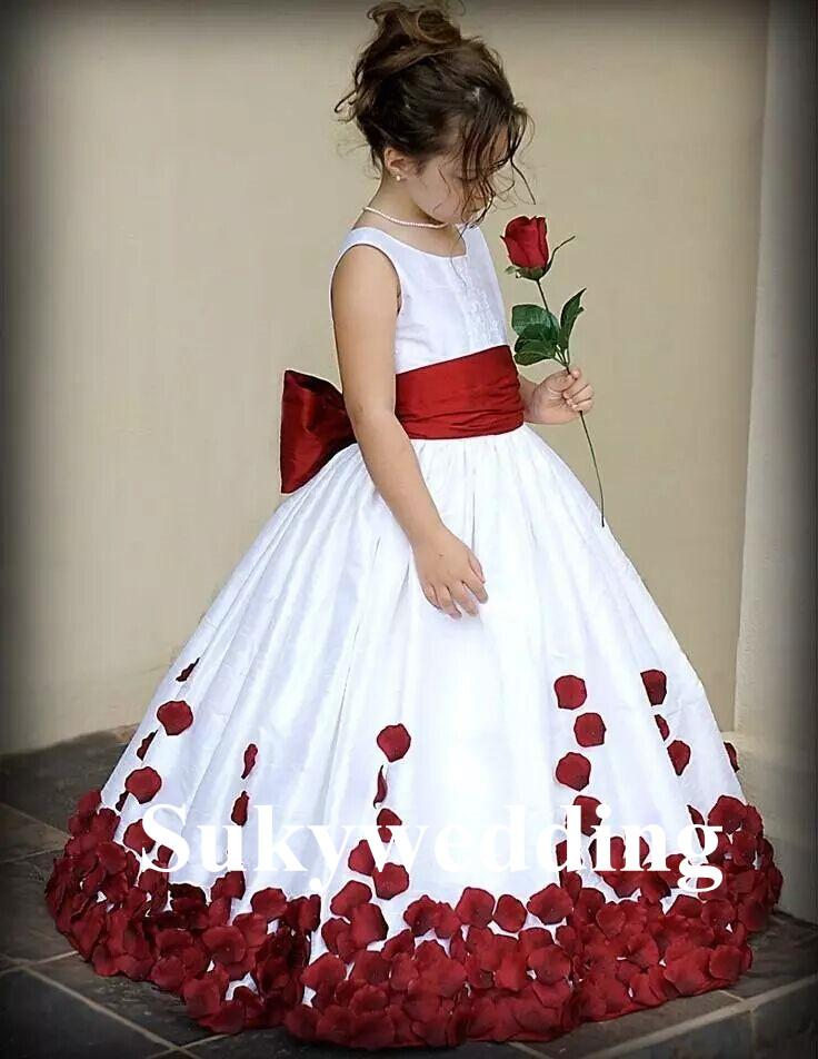 Nuevos vestidos para niñas de flores Blanco y rojo Nudo de arco Rosa Satén Cuello redondo Adolescentes Niños pequeños Vestidos formales de pelota Largo hasta el suelo
