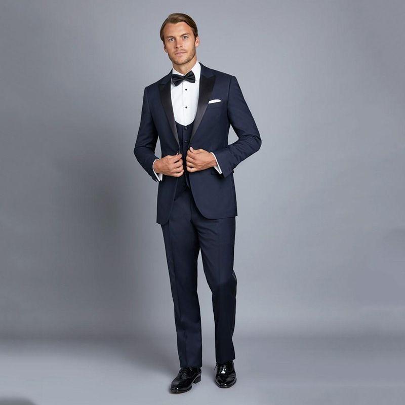 Compre Trajes Para Hombre Azul Marino Con Pantalones Traje Negro De Solapa  Slim Fit Groom Tuxedos 3 Piezas Chaqueta Pantalones Chaleco Terno Masculino  Por ... 27dd854338a2