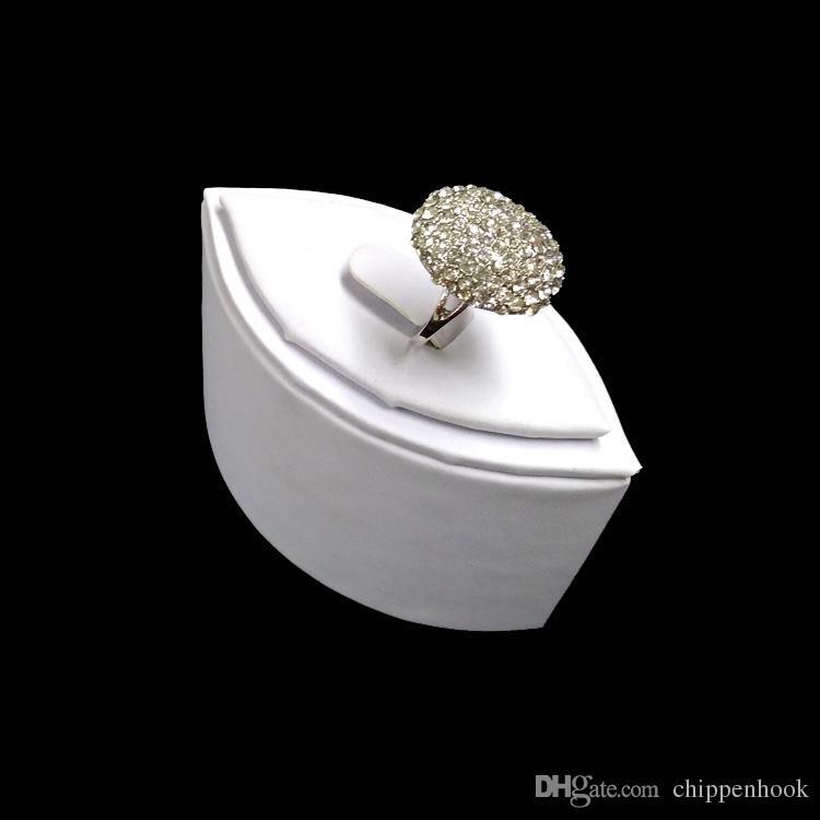 Creative White PU Ring Jewelry Display Tower Flower Shape Wedding Ring Jewelry Organizer Birthday Gift Ring Holder Stand 7.5*4*5.5 CM
