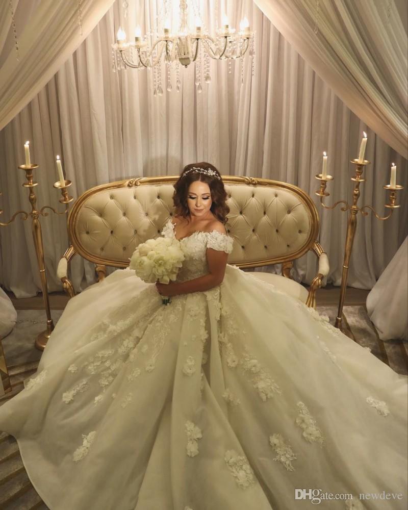 Abiti da sposa in pizzo con fiori 3d fuori dalla spalla Abiti da sposa 2018 Plus Size Ball Gown Robe de Mariee