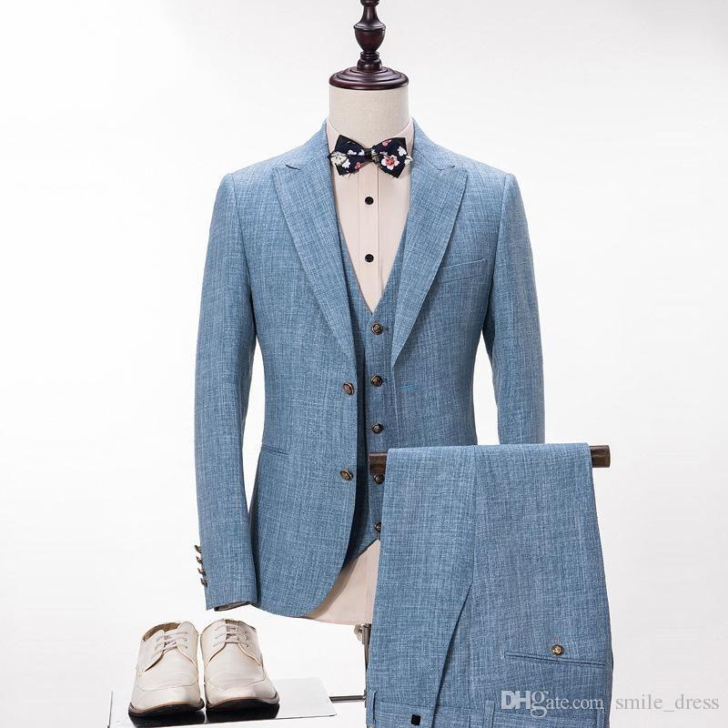 Acquista Abiti Da Uomo In Lino Blu Chiaro Su Misura Le Cravatte Da Uomo A  Risvolto Con Visiera Smoking Bestmen Sugli Abiti Da Sposo Giacca + Gilet +  ... c1d35761031