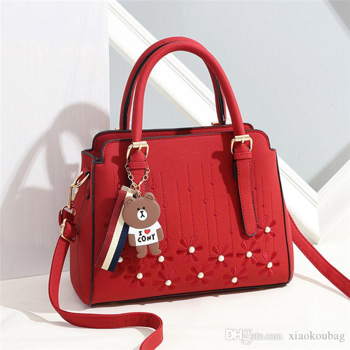 Fashion Designer Handbags Women Leather Shoulder Bag For Women Casual Black Leather  Messenger Bag Ladies 2080 Bags Store Ladies Bags Leather Purses From ... 9bc512b76e