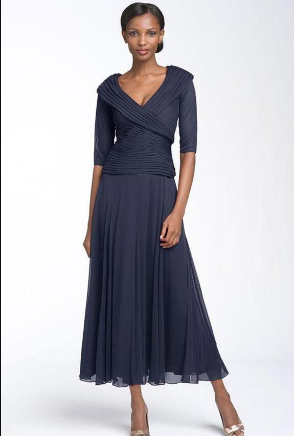 Vestido azul marino con medias