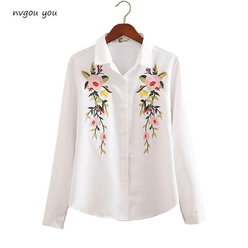1d97418132 Compre Nvyou Gou 2018 Floral Blusa Bordada Camisa Mujeres Blancas Delgadas  Blusas De Manga Larga Mujer Oficina Camisas Más Tamaño A  46.15 Del Beenlo  ...