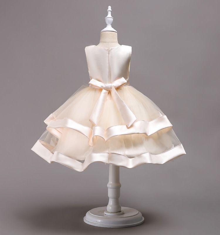 사랑스러운 무릎 길이 파란색 된 계층화 된 꽃의 소녀 드레스 Tulle 키즈 미인 드레스 활 매듭 첫 번째 성령의 드레스 MC1490