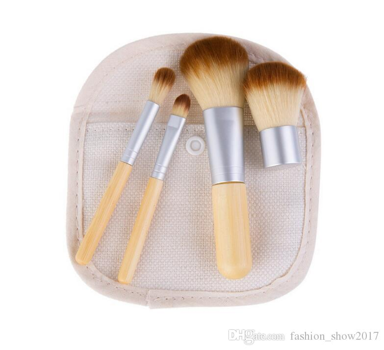 Set di 4 pennelli trucco in bambù Set di pennelli ombretti Cosmetici Pennello sfumare Trucco Pennelli con borsa