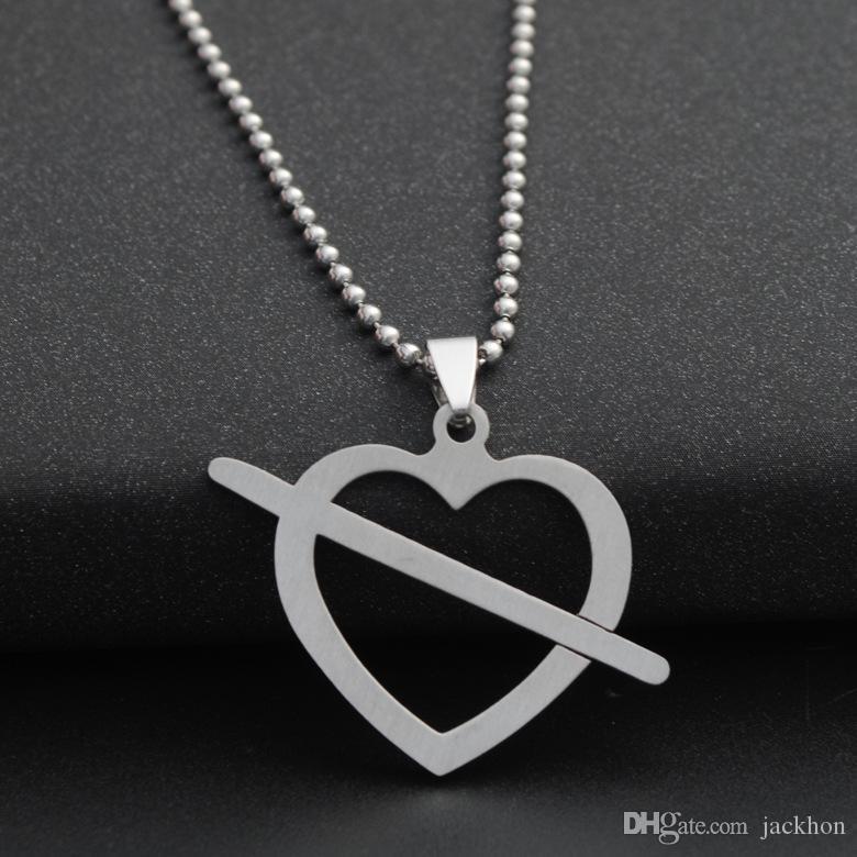 63f4125f4396 Compre 1 Unids Amor De Acero Inoxidable A Primera Vista Símbolo Amor Corazón  Flecha Collar Forma De Corazón Amor Cupido Flecha Hueco Corazón En Forma De  ...
