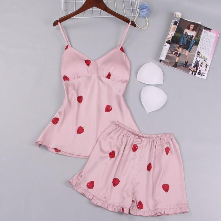 3481326c6546e1 Comodidad del sueño Pijamas Mujeres Rosa Conjunto de Pijamas de Fresa 2  Piezas Tops Shorts Camisola Lencería Sexy Pijama Feminino ropa de dormir