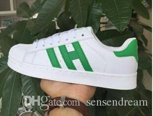 Factory Custom Classic Style Stan Smith Shoes For Men Women Athletic Shoes  36 44 White Color Musial Originals Stan Smith Skateboarding Shoes Suede  Shoes ... 04da5dcf5