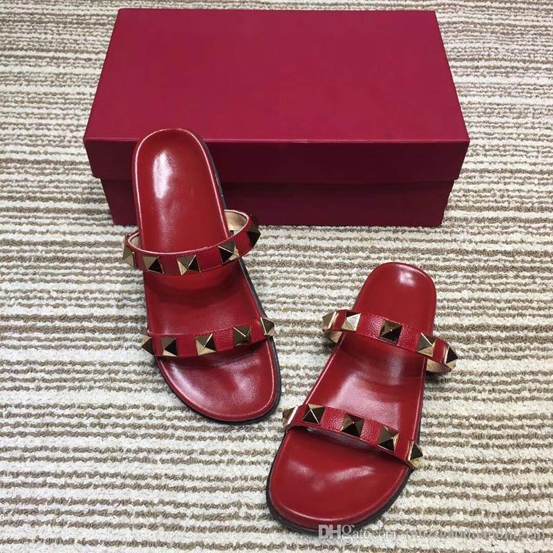 2018 Yaz Terlik Perçinler Açık Toe Platformu Sandalet Kadınlar Için Düz Topuk Terlik Plaj Ayakkabıları Açık Ayakkabı Scuffs 4 Renkler