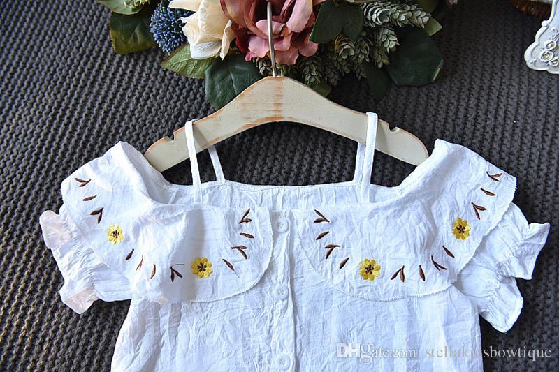Vendita diretta in fabbrica Stile coreano Sling White Tops e Shorts giallo Abbigliamento Set Cute Girls Clothes Suit Spedizione gratuita