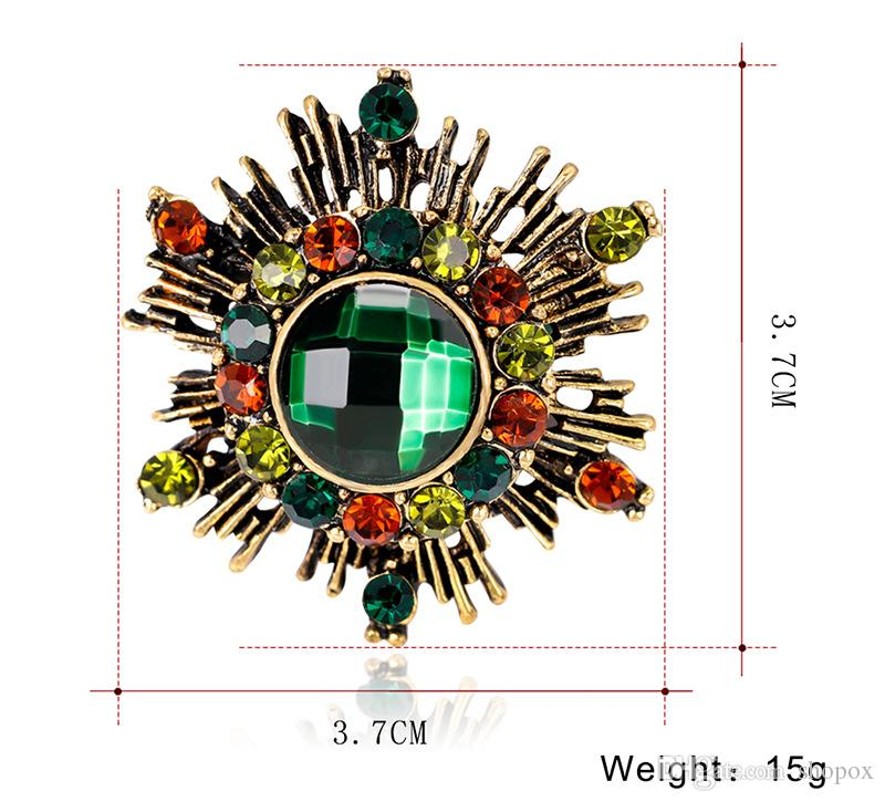 European American Retro Color Diamond Brooch Plated Antique Gold Brooch Pin Buckle Costume Crystal Pin Fashion High-end Women Jewelry Gift
