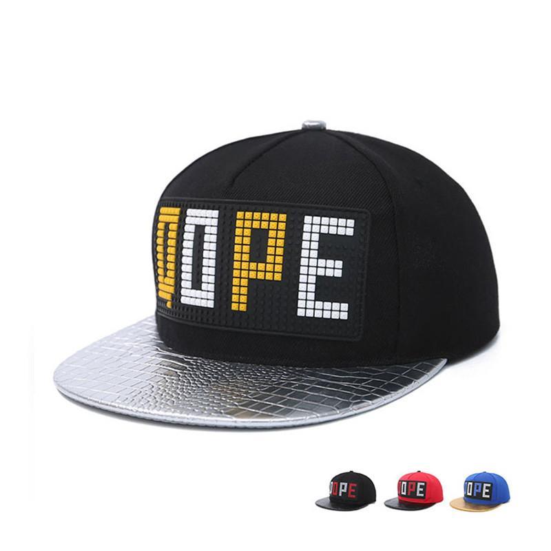 Compre Hombres Mujeres Pareja Hip Hop Cap Primavera Verano Otoño Letra QOPE  Bone Snapback Sombreros Para El Sol Moda De Alta Calidad Gorras Planas ... 507c3b6f482