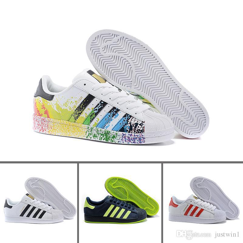 low priced 68604 5c8ad White Hologram Iridescent Junior Gold Sneakers Super Star Women Men Casual  Shoes 36 44 Shoes For Men Sports Shoes From Justwin1,  61.93  DHgate.Com